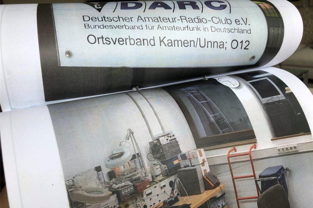 Die 103 Seiten starke Polizeiakte mit Bildern von der Durchsuchung der Räume des Kamener Amateurfunkvereins (DARC). Die Polizei stellte dort verdächtige Technik sicher.