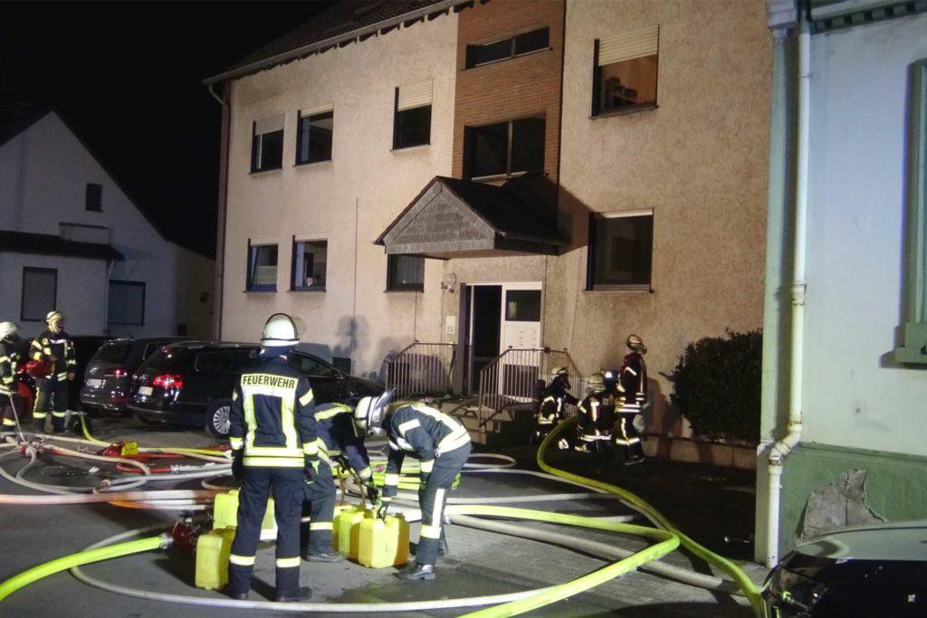Das Haus an der Bergischen Straße wurde von der Feuerwehr nach dem Brand für unbewohnbar erklärt.