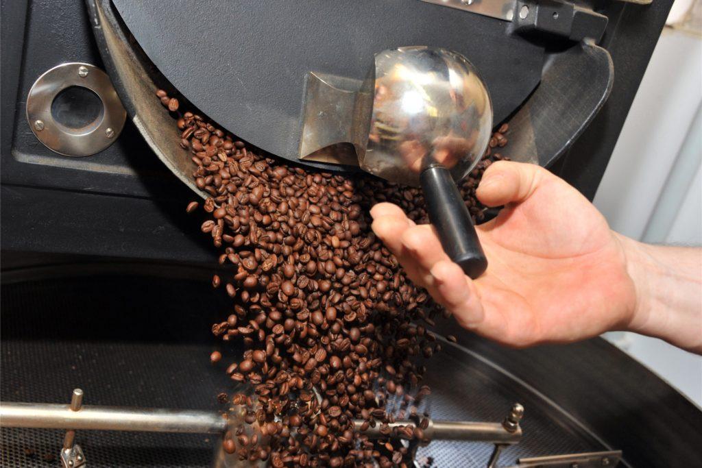Eine kleine Kaffeerösterei (Symbolbild) soll im Sommer im Stadtlohner Eschquartier eröffnet werden, sagt Citymanager Giampietro Salerno.
