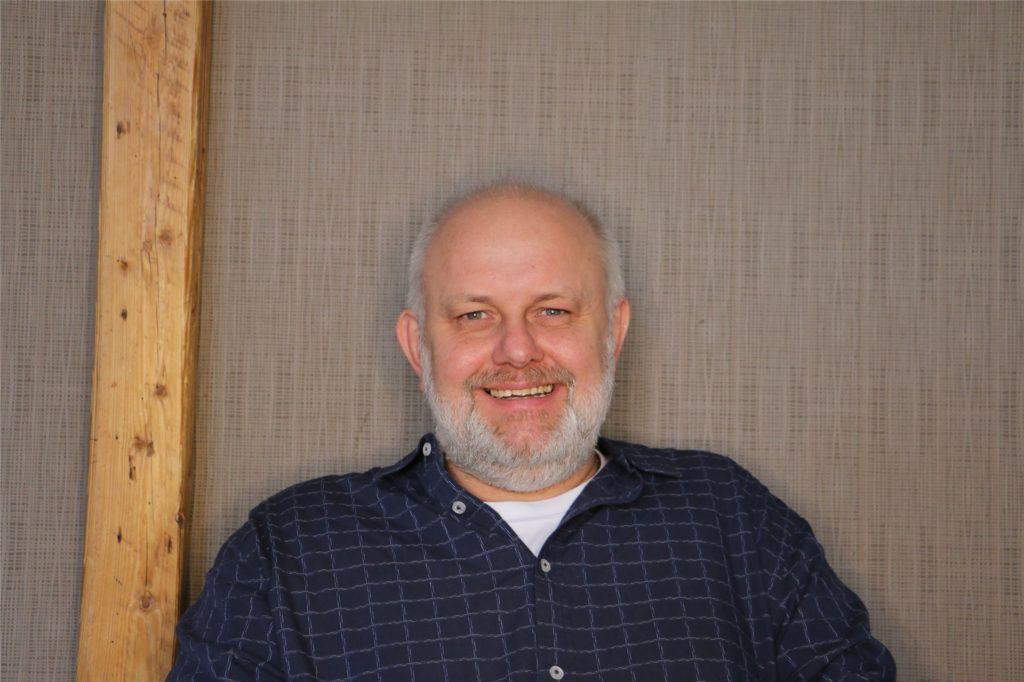 Gemeindepädagoge Dirk Berger hat ein ähnliches Problem - mit seiner Hausnummer.