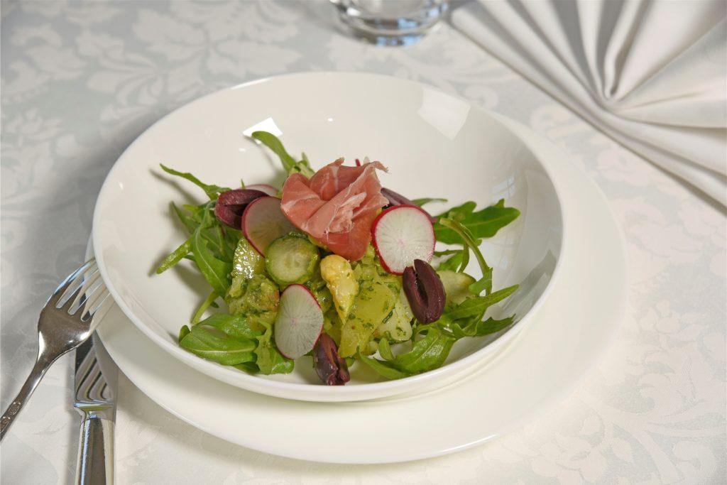 Kartoffel Spargelsalat mit Rucolapesto