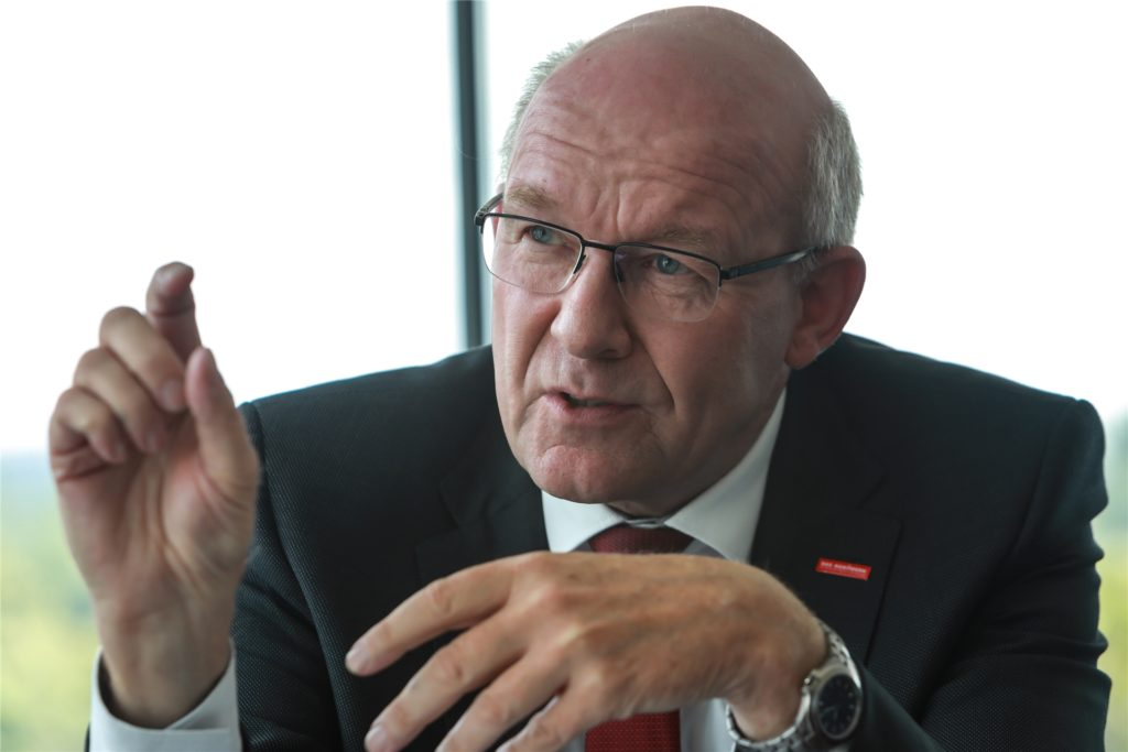 """Der Präsident der Handwerkskammer Dortmund, Berthold Schröder, kann keine Hoffnung auf eine Entspannung der Mangelsituation bei den Baustoffen machen. """"Das wird vermutlich noch eine Weile so weitergehen"""", sagt er."""