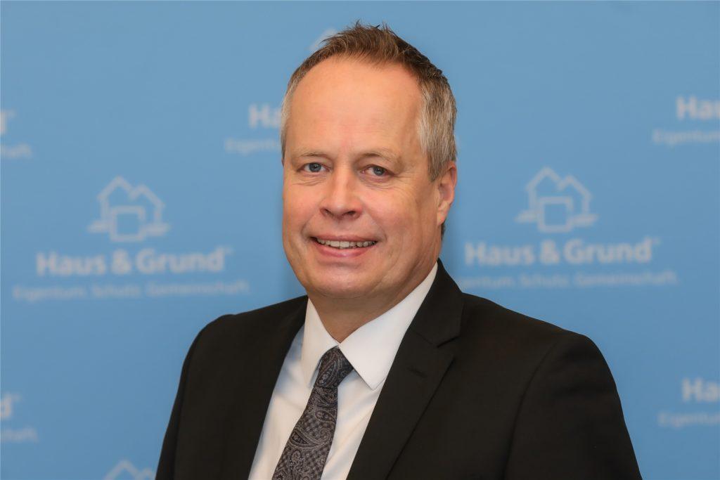 Dr. Thomas Bach, Hauptgeschäftsführer bei Haus & Grund in Dortmund verweist darauf, dass die Bestandsmieten in Dortmund noch relativ niedrig seien. Auch deshalb gebe es zu den Neubaumieten im Schnitt einen Differenz von immerhin 160 Euro.