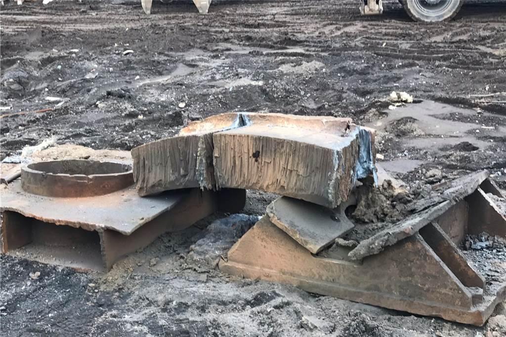 Der Stahl wurde teilweise so heiß, dass er noch tagelang nachglüht.