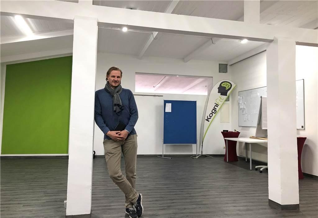 Christian Arentz ist Quartiersmanager und gründete das Unternehmen Kognifit. In seinen Trainingsräumen stehen noch die alten Eisenträger, die vor 150 Jahren eingezogen wurden.