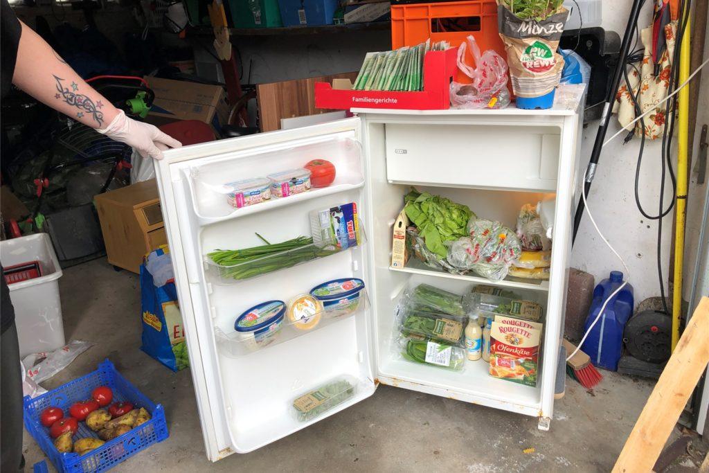 Auch einen Kühlschrank, der in der Garage steht, hat Anja Dickscheidt mittlerweile angeschafft