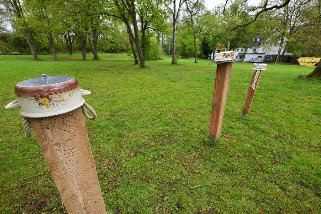 Gemeinsam mit Kindern der Kita Kinderkiste baute Leonie Wenning Nisthilfen für Wildbienen.