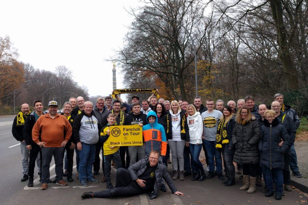 Der Fanklub Black Lions fährt regelmäßig nach Berlin - hier beim Bundesliga-Auswärtsspiel im November 2019.