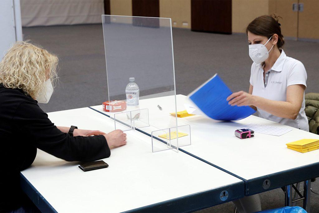Dr. Nadine Anstipp führte das Arztgespräch mit Jacqueline Bonn.