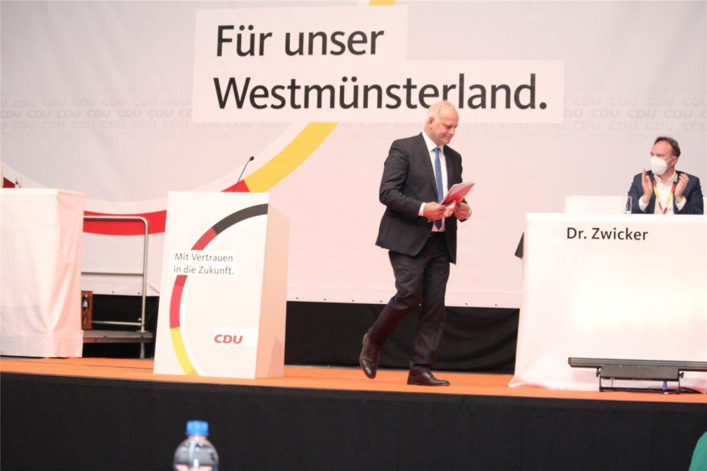 Abgang Johannes Röring: Nach vier Legislaturperioden im Bundestag stellte ihn die CDU nicht mehr als Kandidaten auf. Am Freitagabend musste er die herbe Niederlage einstecken.