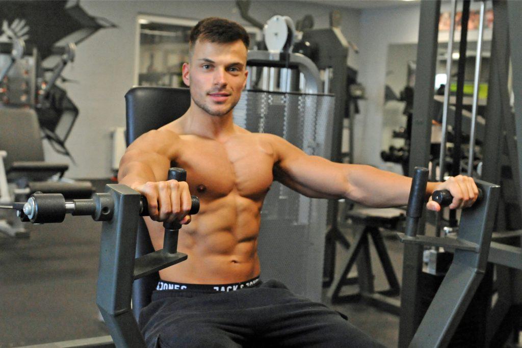Seinen Körper will Hisam Örük am Wochenende erstmals im Rahmen eines Wettkampfes präsentieren.
