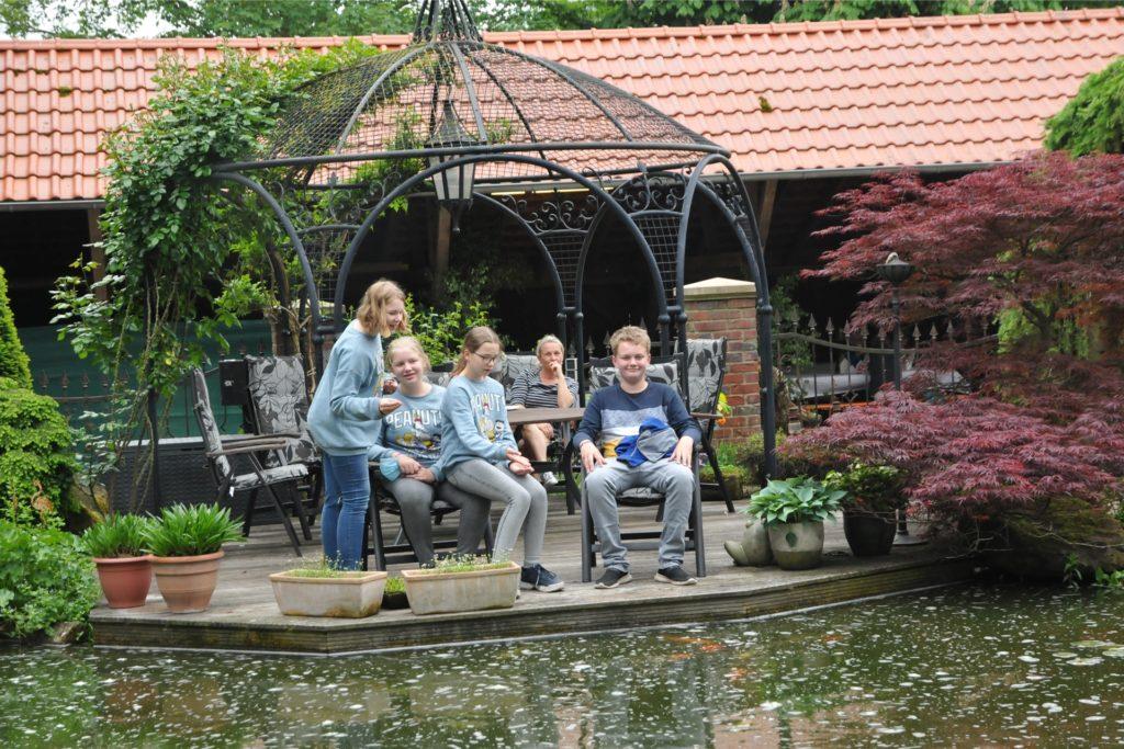Der Garten von Martin und Ulla Resing war gut besucht.