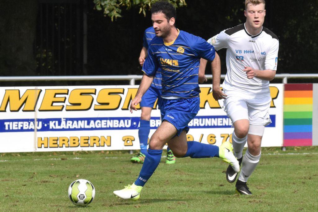 Auch für den SV Herbern hat Thomas Eroglu (l.) schon einmal die Fußballschuhe geschnürt.