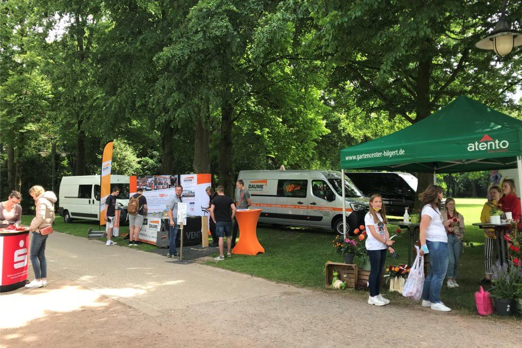 Einige Unternehmen waren am Samstag, 12. Juni, im Schlosspark auf der Suche nach Auszubildenden.