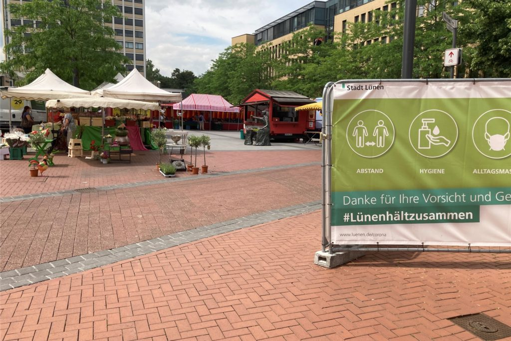 Auf dem Markt in der Lüner Innenstadt bleibt die Maskenpflicht auch am Samstag bestehen.