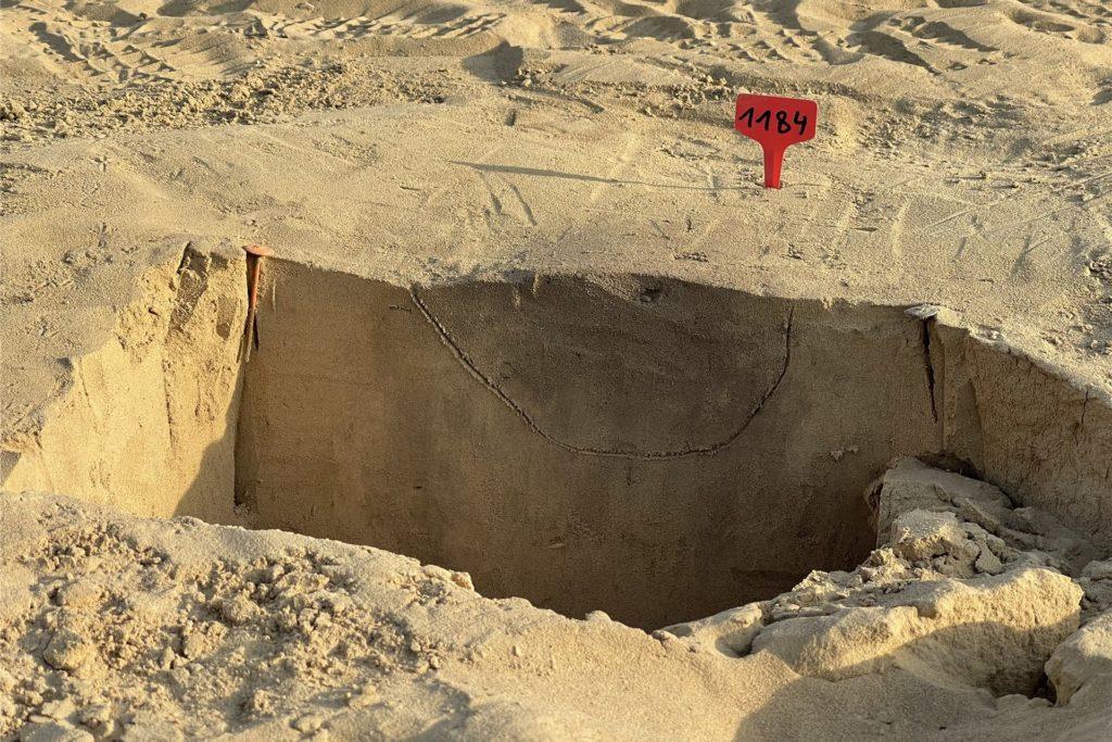 Alle Grabungsstelle und Funde werden fein säuberlich dokumentiert.
