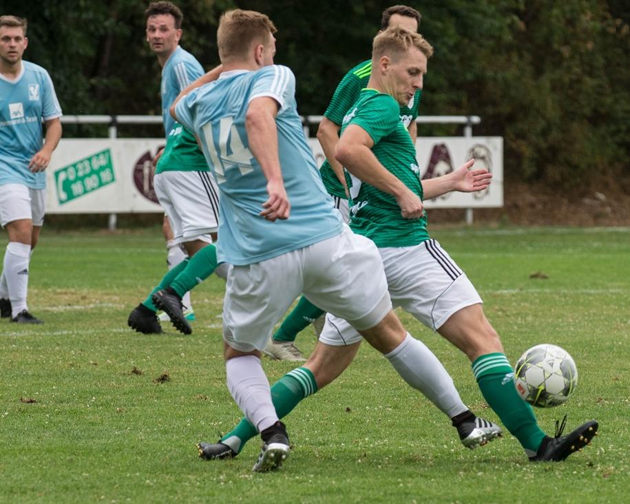 Stefan Schild (r.) gehört seit einigen Jahren zum Stammpersonal beim SV Lippramsdorf.