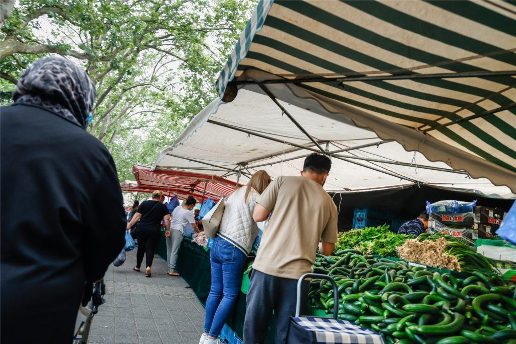 Auf dem Nordmarkt herrscht dienstags und freitags buntes Treiben.