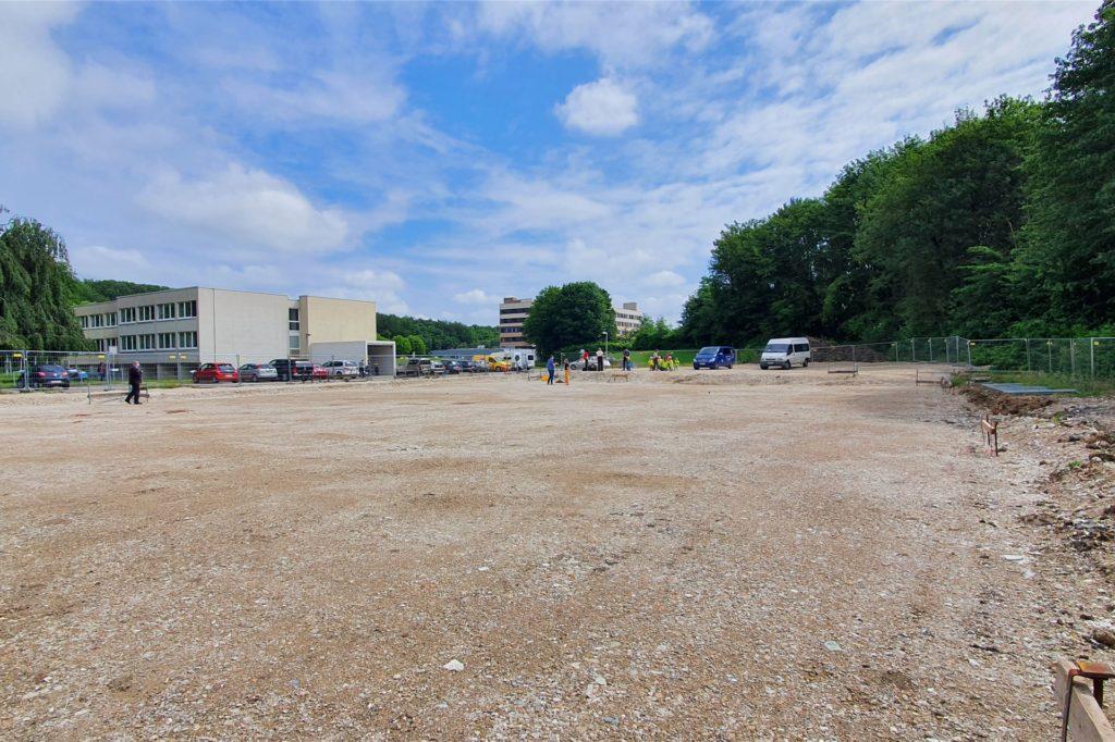 Rund 5.000 Quadratmeter, die ausreichend Platz für das neu zu errichtende Gebäude und viel Außenspielfläche für die Kids bieten.
