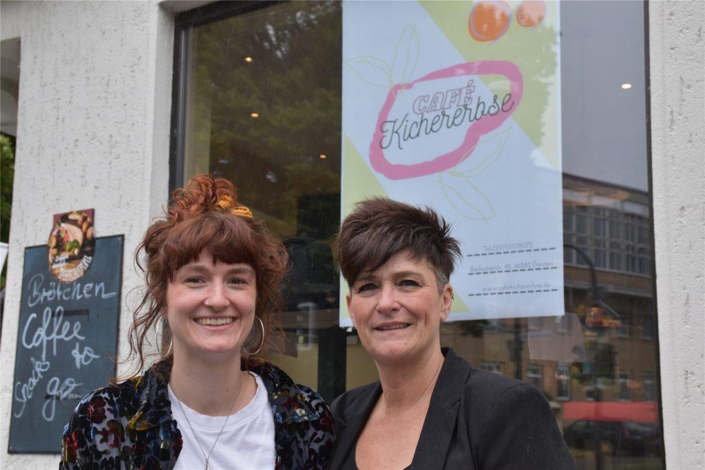 Die Idee eines eigenen Cafés hatte das Mutter-Tochter Gespann bereits seit mehreren Jahren. Nun haben sie diese umgesetzt und an der Bochumer Straße 48 eröffnet.