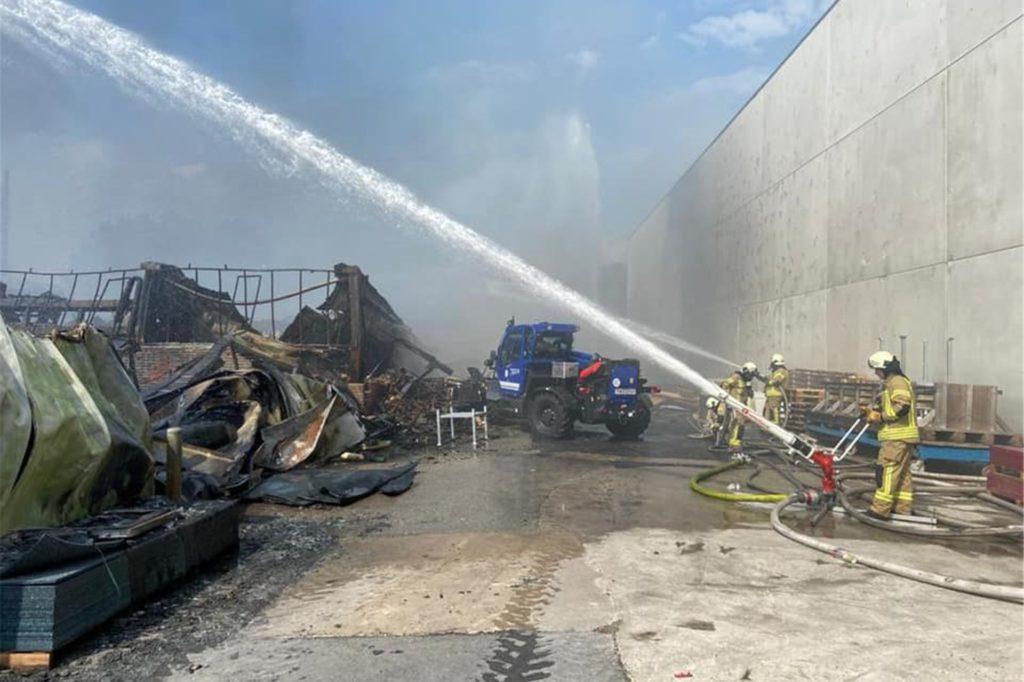 Millionenschäden hat der Brand am Samstag in Vreden verursacht.