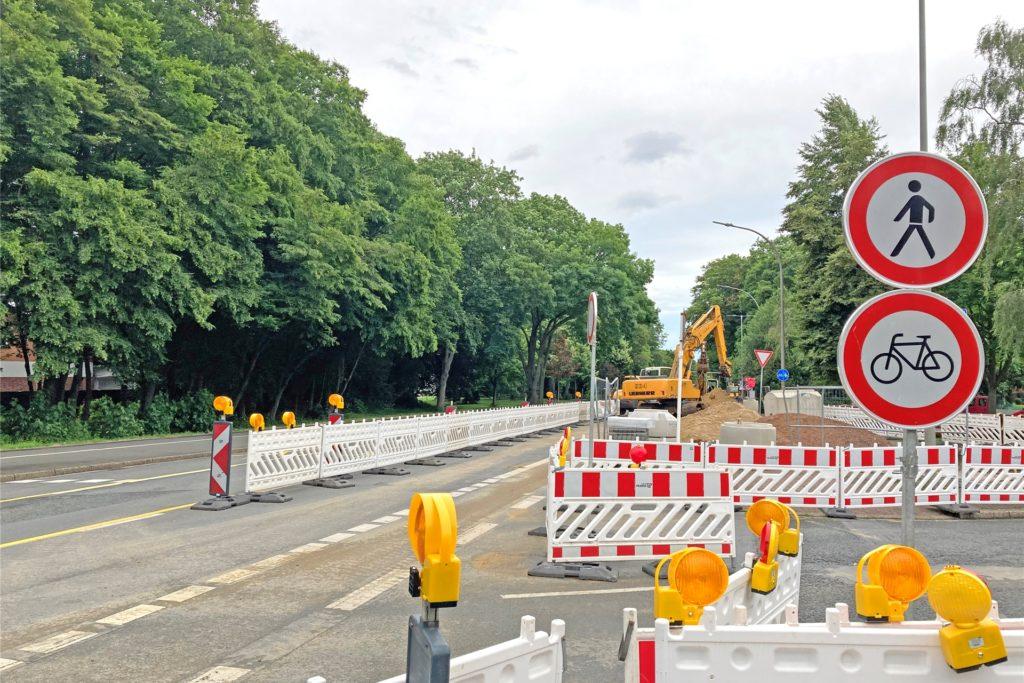 Hier an der der Kreuzung Hagener-, Stockumer- und Ardeystraße werden derzeit Kanäle erneuert. Hier hätte es im Rahmen der Baustelle die Chance gegeben, die Situation für Radfahrer zu verbessern, so der ADFC.