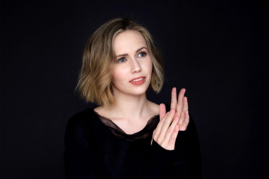 Die Pianistin Annika Treutler eröffnet das Hofmusik Festival am 9. Juli.