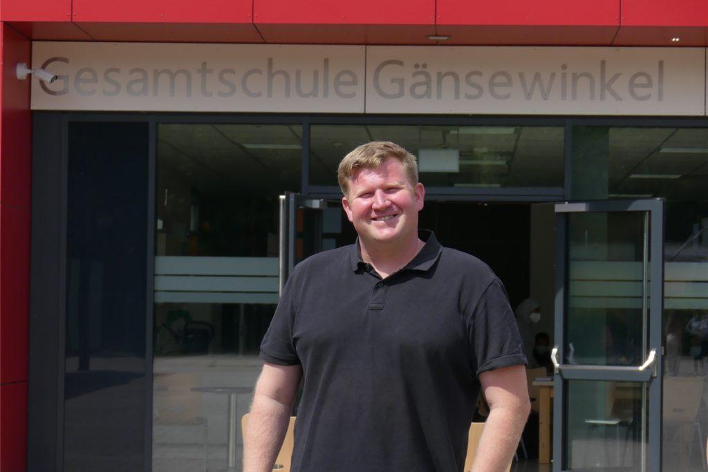 Schulsozialarbeiter Jonas Schunck (38):