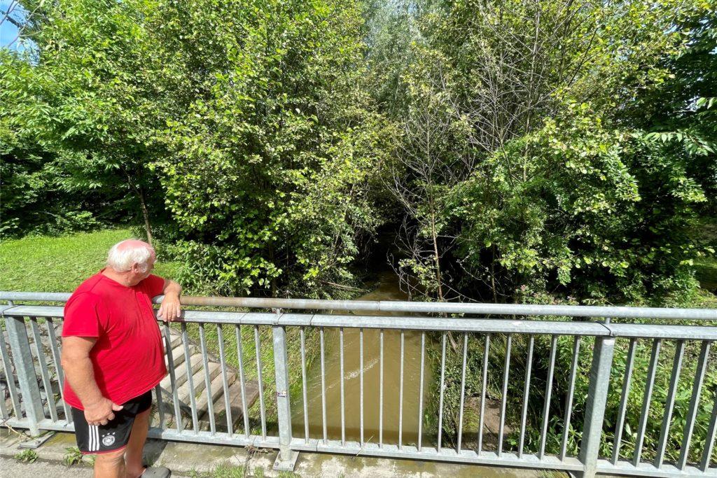 Der Rüpingsbach am Tag nach der großen Flut. Das Wasser ist erst einmal zurückgegangen.