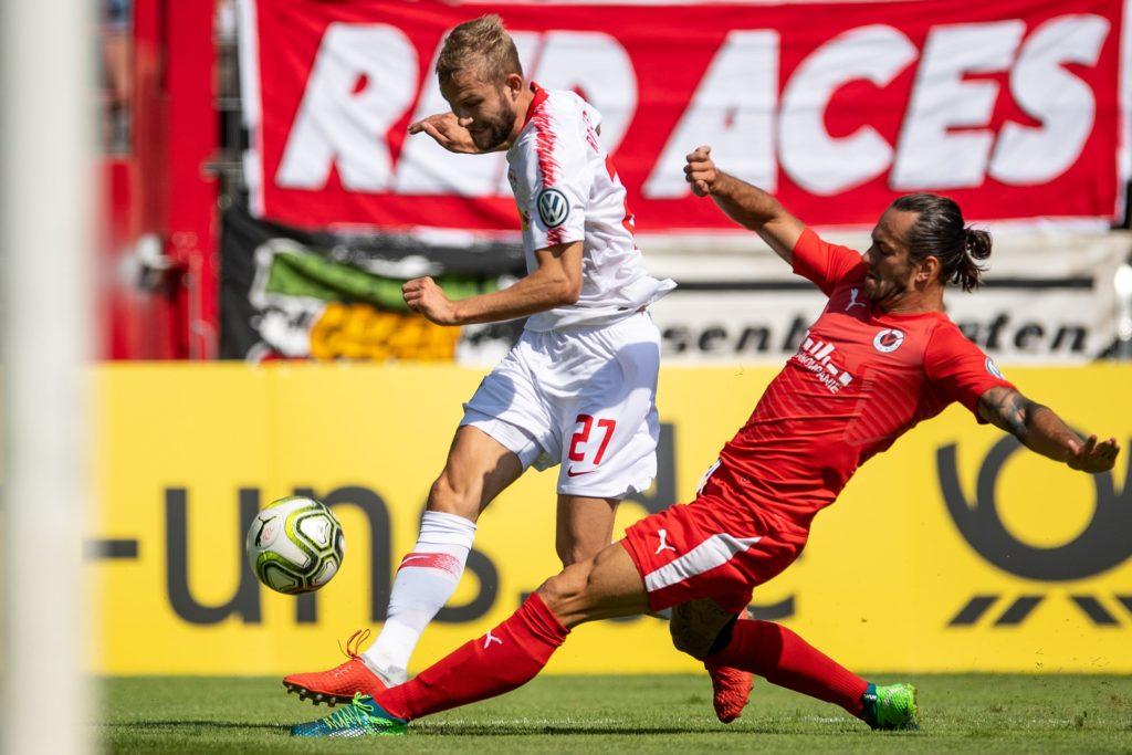 Felix Backszat (r.) wechselt noch einmal innerhalb der Regionalliga West.