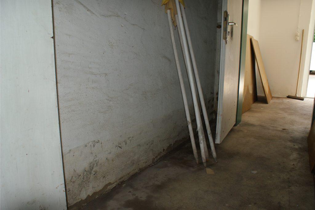 In den Räumen des BSV Schüren stand das Wasser knietief.