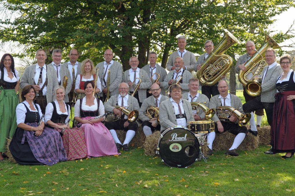 Egerländer Musik lassen die Original Baumberger Musikanten am Sonntagnachmittag in der Freilichtbühne hören.