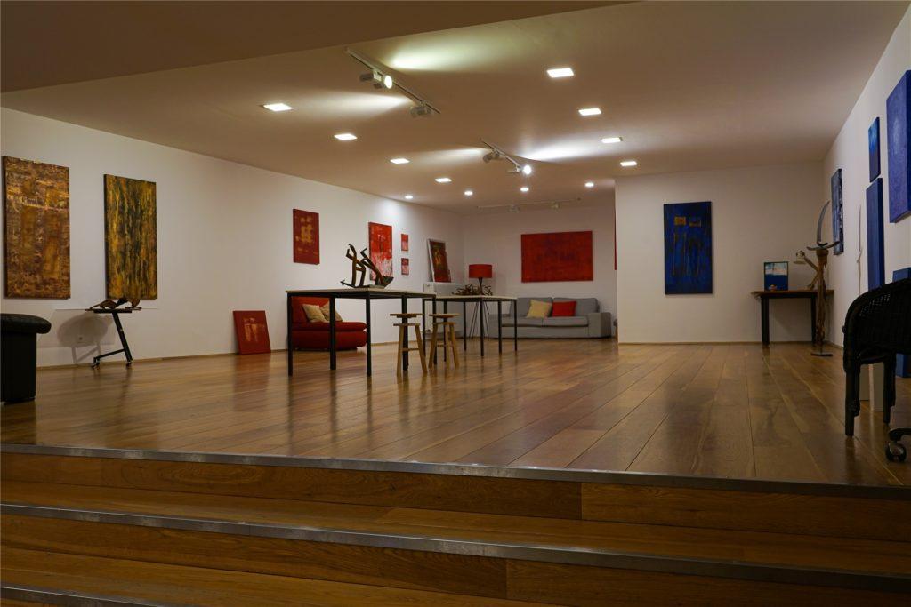 In dem offenen Galeriebereich sollen verschiedene Ausstellungen stattfinden, die Besucher der Innenstadt kostenlos anschauen können.