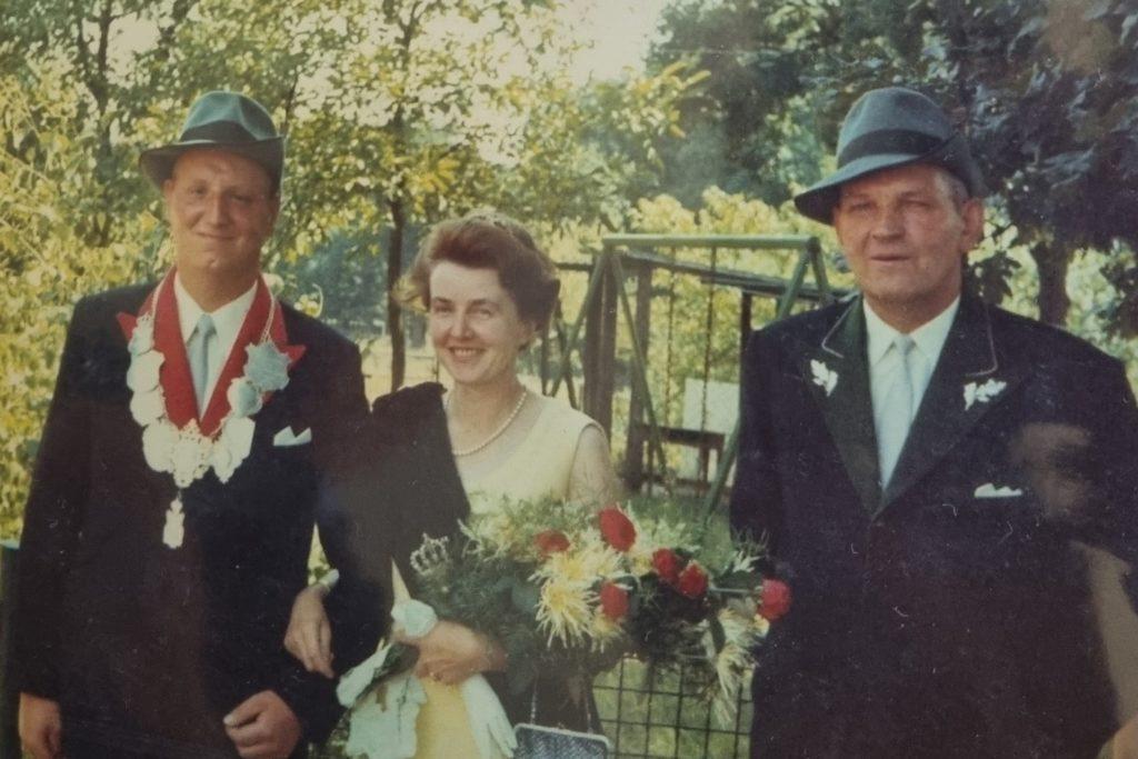 1970 wurde Karl Seine (links) selbst zum Schützenkönig.