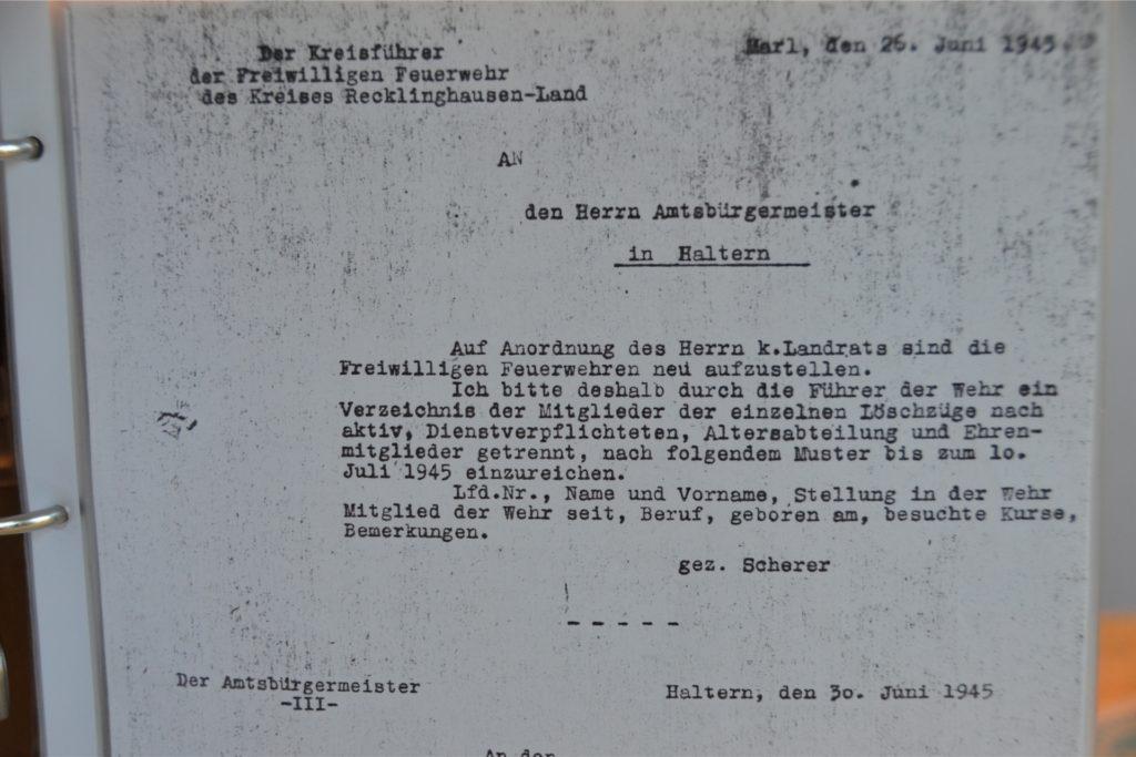 Auch alte Schriftstücke von 1945 sind Teil des gigantischen Privatarchivs.