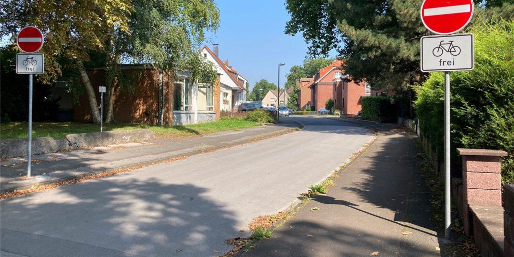 Die Querstraße soll saniert werden - einige Anwohner halten das für übertrieben.