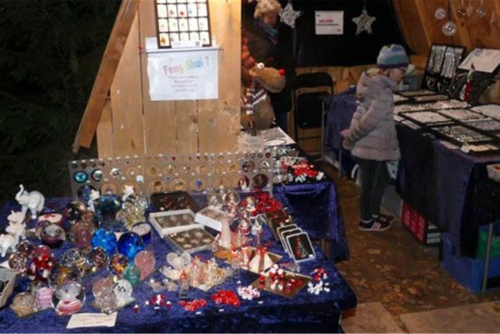 Die Stände auf dem Heeker Weihnachtsmarkt ziehen viele Besucher an. Ob das auch dieses Jahr so sein wird, ist noch offen.