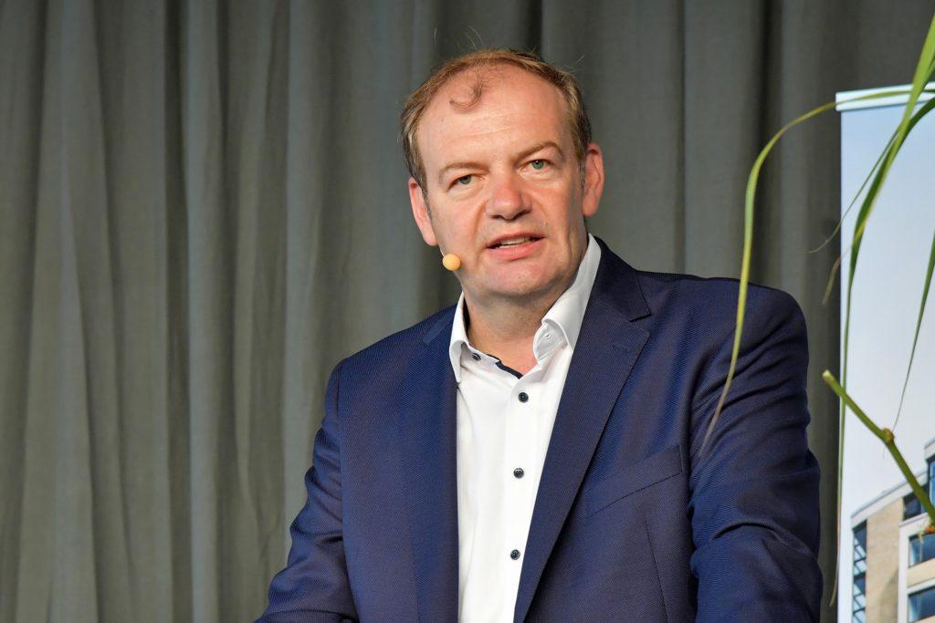 Arnd Hilwig ist seit 1992 Mitglied der CDU. Seit 2020 sitzt er in Hamm im Stadtrat und ist Vorsitzender seiner Fraktion.