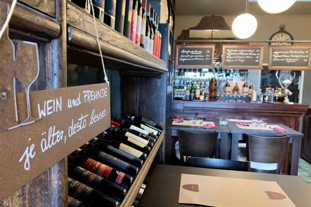 Ein Blick in das Erdgeschoss der Enoteca: Stammgäste liebten die besondere Weinauswahl.