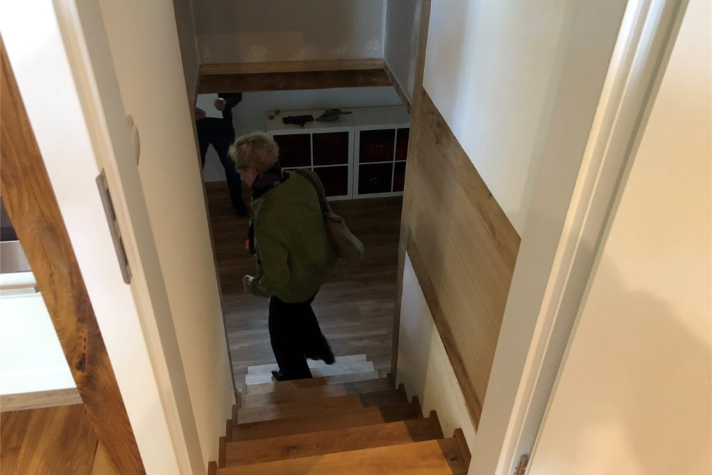 Eine schmale Treppe führt zur ehemaligen
