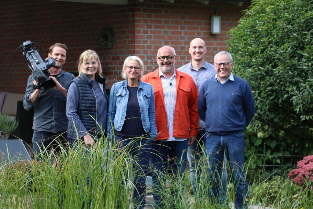 Familie Demmer mit dem WDR-Lokalzeit-Team.