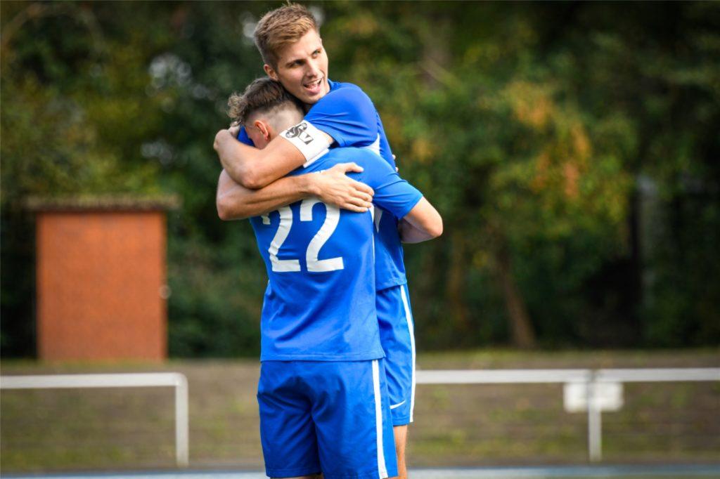Damian Marchewka (r.) erzielte das 1:0 für den Königsborner SV.
