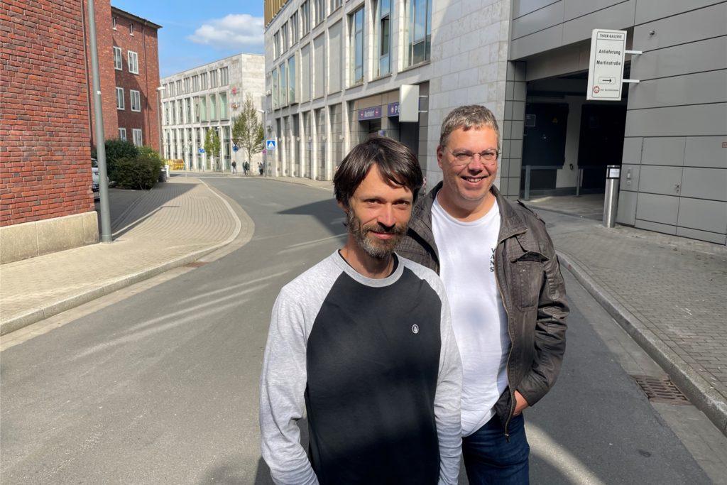 """Jan Sosna (l.), Leiter des """"Café Kick"""", und Michael Gierse vom Verein Drogenhilfe PUR an der Martinstraße in der Dortmunder Innenstadt."""
